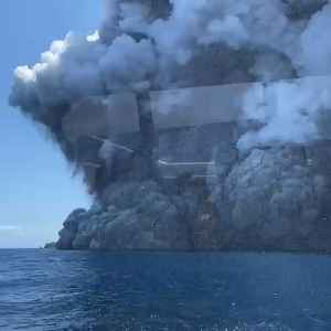 News video: Volcano eruption on a New Zealand Island leaves five dead and many missing