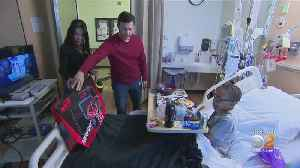 News video: CBS Stars Bring Holiday Cheer To Kids At Children's Hospital Los Angeles