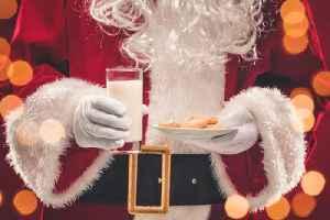 5 Treats Children Leave for Santa Around the World [Video]