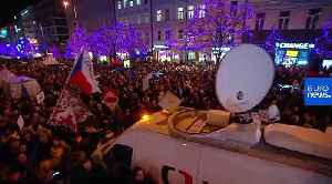 Tens of thousands Czechs protest against PM Babis after damning EU report [Video]