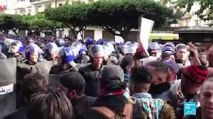 Algeria: Thousands rally against the vote to boycott election [Video]