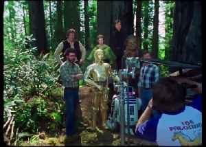 News video: STAR WARS THE RISE OF SKYWALKER movie clip - R2-D2 And C-3PO Reunite