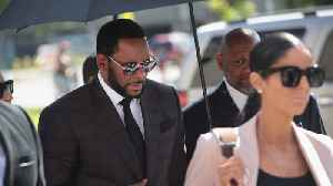 R. Kelly to fight bribery charge [Video]