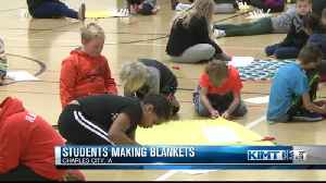 Students make blankets to donate to Charles City Police Department [Video]