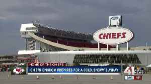 Crews strategize how to best tackle Chiefs game day snow [Video]