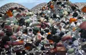 Researchers break down plastic using sunlight [Video]