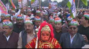 Thousands protest in New Delhi over 'anti-Muslim' citizenship law [Video]
