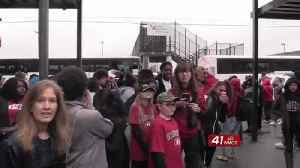 Warner Robins fans send off Demons to championship with school spirit [Video]