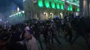 Thousands of protesters return to Lebanese Parliament after crackdown in Beirut [Video]