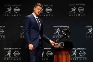 Joe Burrow Awarded 2019 Heisman Trophy [Video]