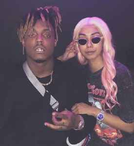 News video: Juice WRLD's Girlfriend Pays Homage to the Late Rapper