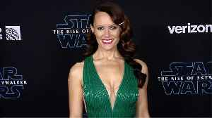 """News video: Emily Swallow """"Star Wars: The Rise of Skywalker"""" World Premiere Red Carpet"""