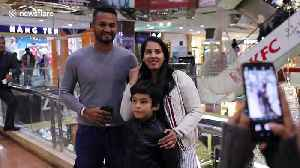 Sri Lanka's cricket team visit Islamabad mall as test match cricket returns to Pakistan [Video]