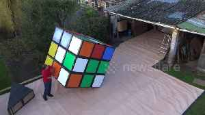News video: World's largest Rubik's Cube gets SOLVED