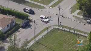 News video: Police Still Searching For 4th Suspect In Florida City Shooting, Chase & Bailout
