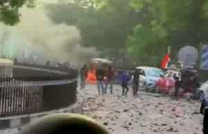Internet blackout hits India unrest, mass arrests [Video]