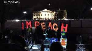 Impeachment supporters sing outside White House [Video]