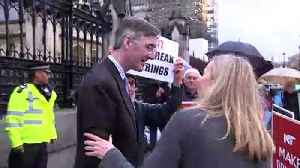 Jacob Rees-Mogg thanks Brexiteers outside Parliament [Video]