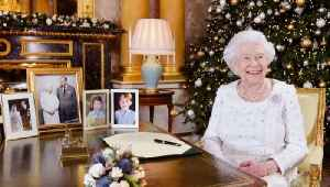 The Good Reason Why Queen Elizabeth Hosts Christmas Lunch A Week Early [Video]