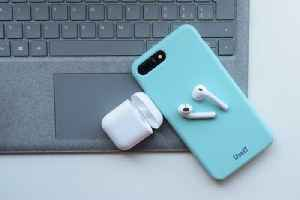 Analyst Says the AirPod Business Will Grow in 2020 [Video]
