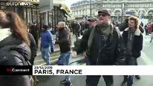 Protesting French workers invade Gare de Lyon station in Paris [Video]