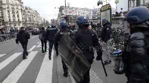 France strike: Riot police called in as protesters descend on Paris' Gare de Lyon [Video]