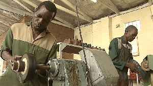 Zimbabwe economy: Dire blackouts affect jobs, manufacturing [Video]