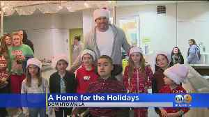 Rams Tackle Andrew Whitworth Gives Back To Community By Spreading Holiday Cheer [Video]