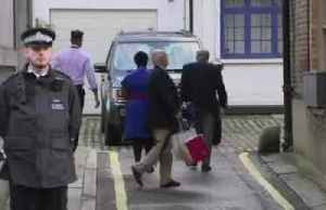 Prince Philip leaves hospital in time for Christmas [Video]