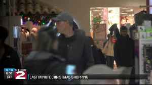 Last minute Christmas shopping [Video]