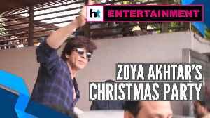 News video: Shah Rukh Khan at Zoya Akhtar's Christmas party, fans go berserk