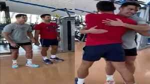Ronaldo teaches Djokovic 'how to jump' [Video]
