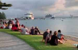 Cruise ship plays The Love Boat theme song in Tauranga, New Zealand [Video]