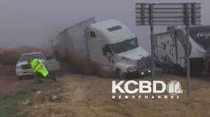 Truck crashes into pile-up in Texas [Video]
