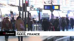 Weary French travellers face new week of transport disruption [Video]