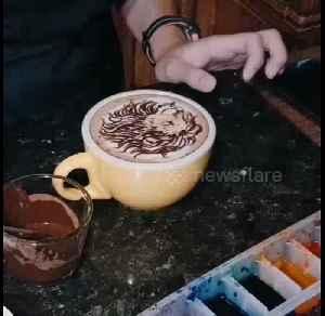 Satisfying moment coffee artists create beautiful drinks in Malaysia [Video]