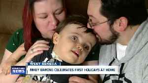 Little boy celebrates first holiday season at home, after 572 days in hospital [Video]