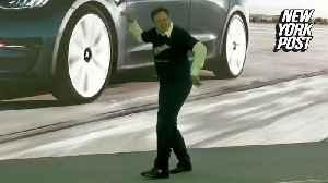 Elon Musk dances like a dad [Video]