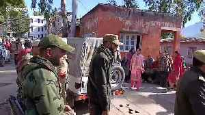 Two Indian army porters killed as mortar shelling hits border with Pakistan violating ceasefire [Video]
