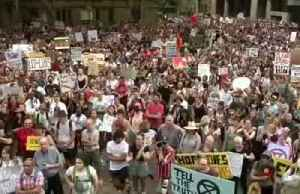 Thousands of Australians protest over climate change policy as bushfires rage [Video]