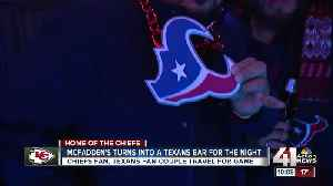McFadden's turns into Texans bar for the night [Video]