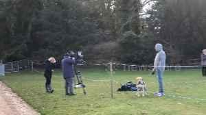 Media gather at Sandringham before Harry and Meghan talks [Video]