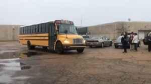 Jim Hill teachers, students take bus to school [Video]