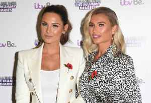 Sam Faiers celebrates sister's birthday with a series of adorable unseen snaps [Video]