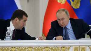 Russian Government resigns as Putin proposes power extension [Video]