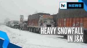 Heavy snowfall in J&K throws life out of gear, Srinagar-Jammu highway shut [Video]