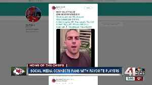 Social media connects fans with Chiefs players [Video]
