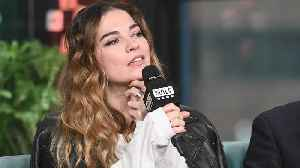 'Schitt's Creek' Star Annie Murphy Based Her Character, Alexis, Off Kim Kardashian & Paris Hilton [Video]