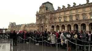 Strikes block Paris' Louvre, leaving some tourist uproar [Video]