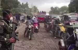 Filipinos salvage belongings as volcano rumbles [Video]